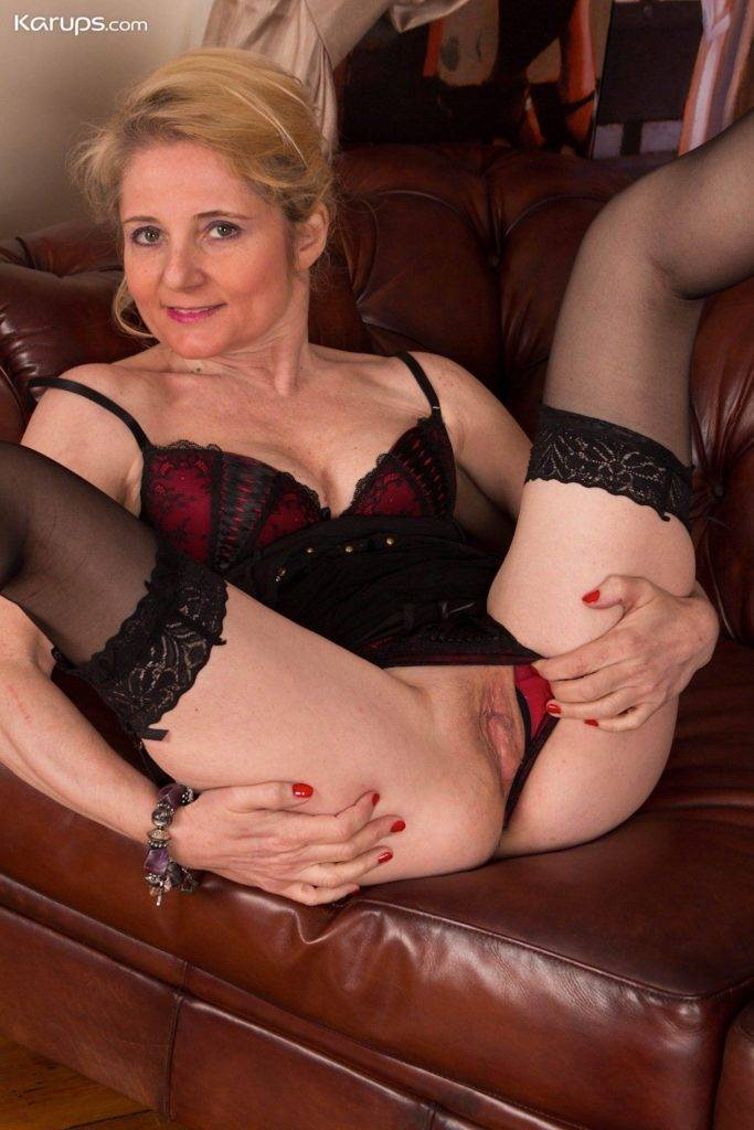 Older Babe Lily Roma Slips Off Her Lingerie In Her Office At Karupsow