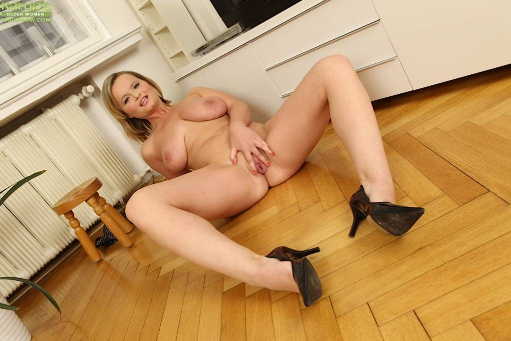 Blonde Milf Jenny Loy Unleashes Her Big Natural Breasts At Karupsow