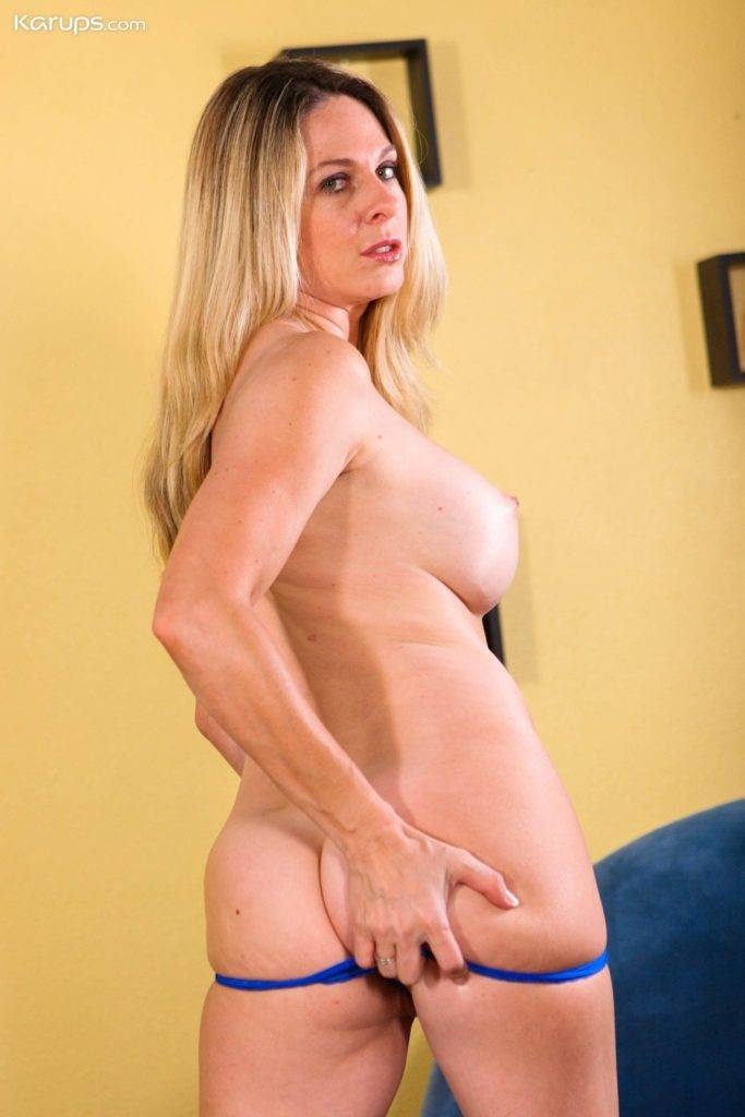 Blonde Milf Angela Attison Naked In Her Red Heels At Karupsow