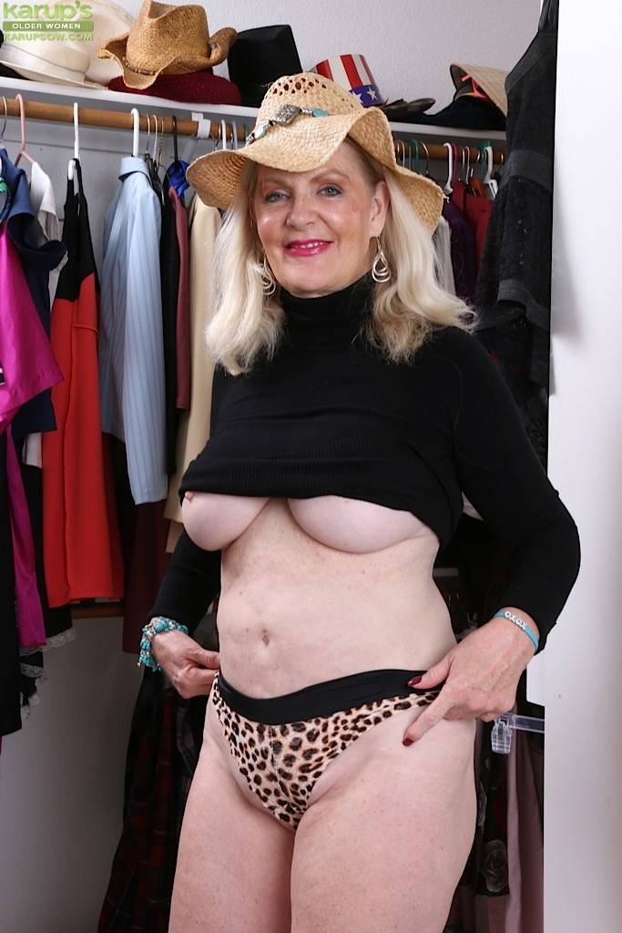 Busty Older Babe Judy Belkins Spreads Pussy In Closet At Karupsow