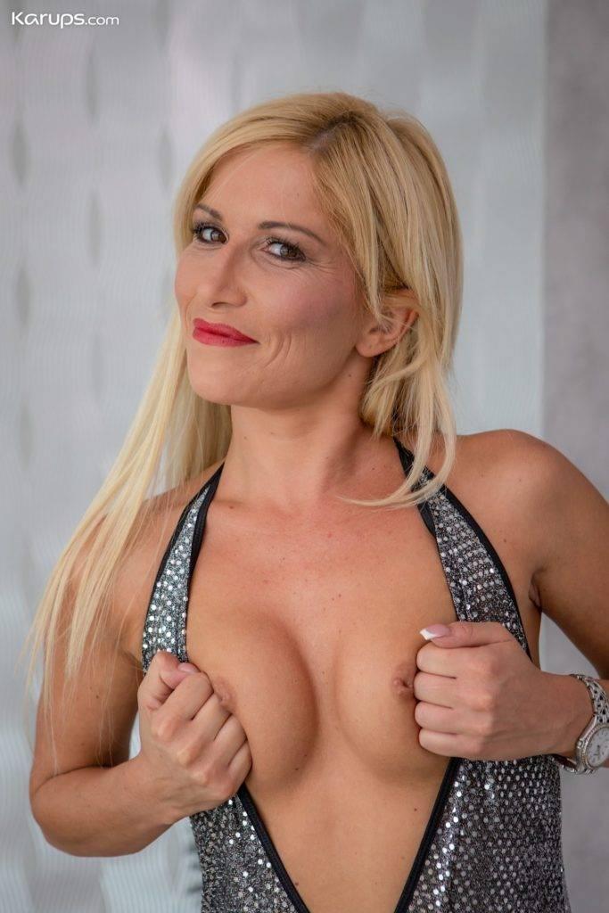 Stunning Blonde Milf Black Blondie Naked In Only Black Stockings At Karupsow
