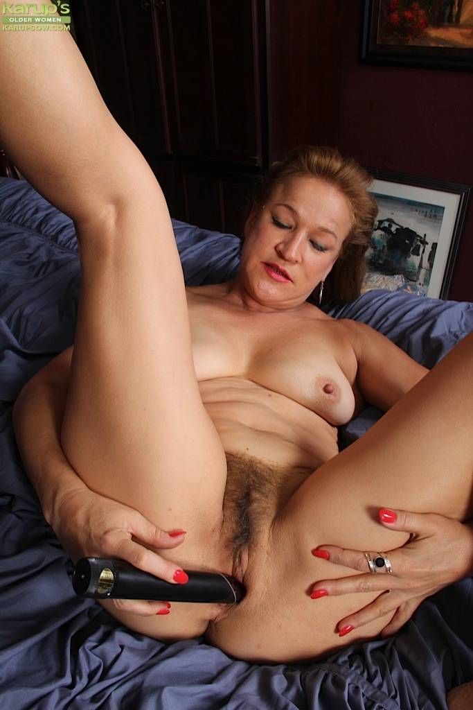Horny Older Babe Sabina Wexler Toying Her Mature Twat At Karupsow