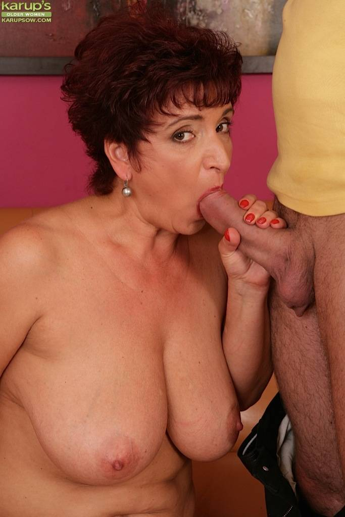 Busty mature amateur Jessica Hot bouncing on cock at Karupsow
