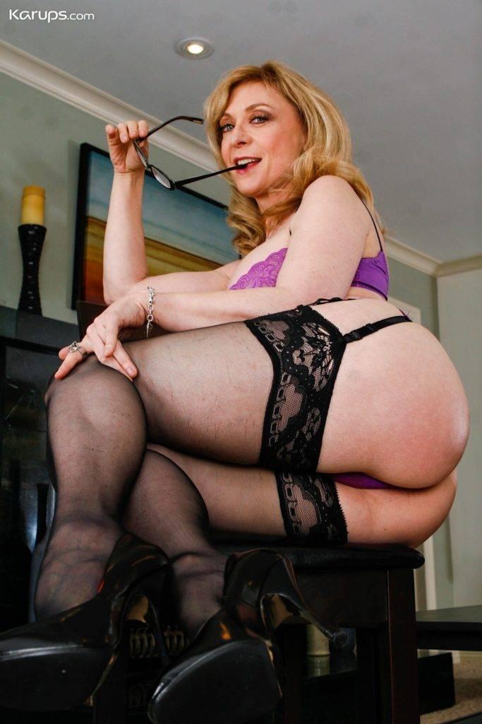Busty Mature Cougar Nina Hartley In Sexy Black Stockings At Karupsow