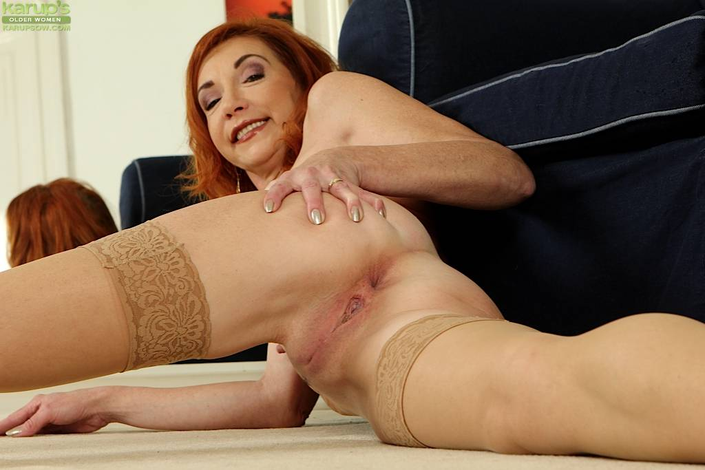 Older Redhead Ariel Spreads Her Pussy Lips Wide Open At Karupsow
