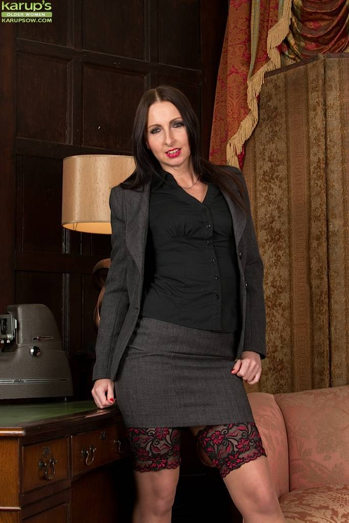 Office Cougar Tracey Lain Naked In Stockings And Heels At Karupsow