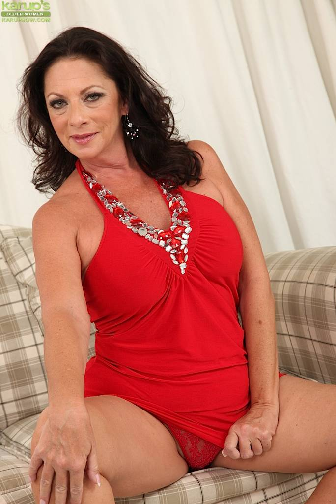 Busty Mature Wife Margo Sullivan Naked In Only Red Heels At Karupsow