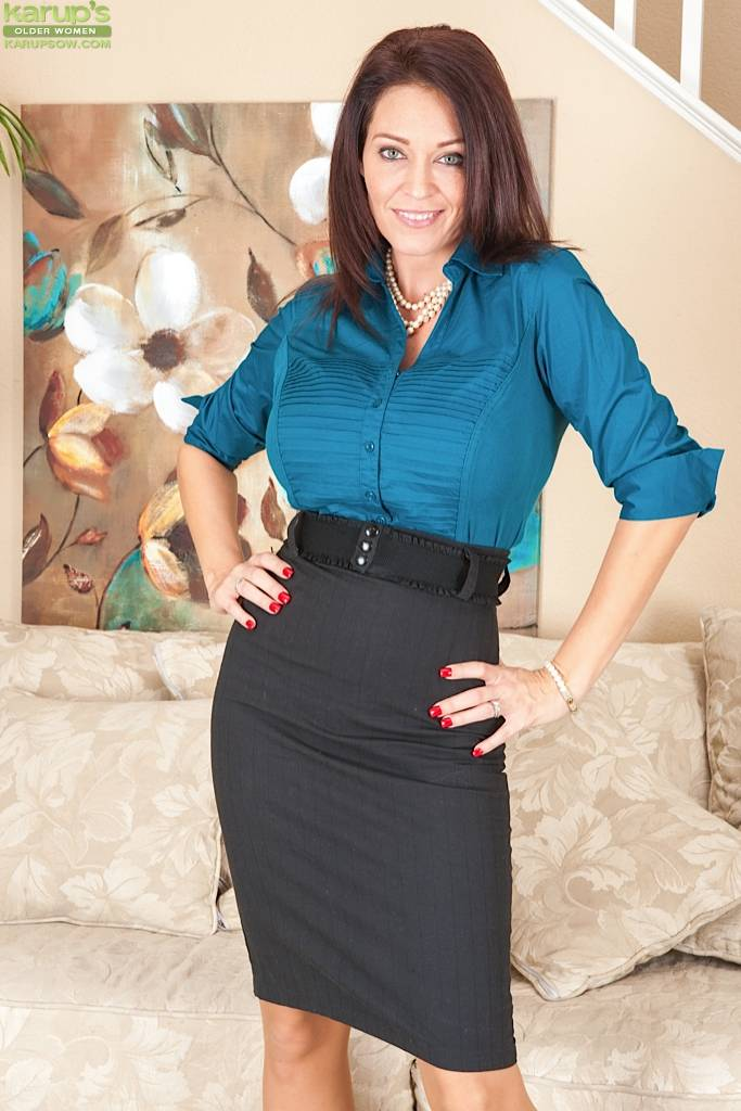 Stunning Milf Charlee Chase Strips After Work At Karupsow