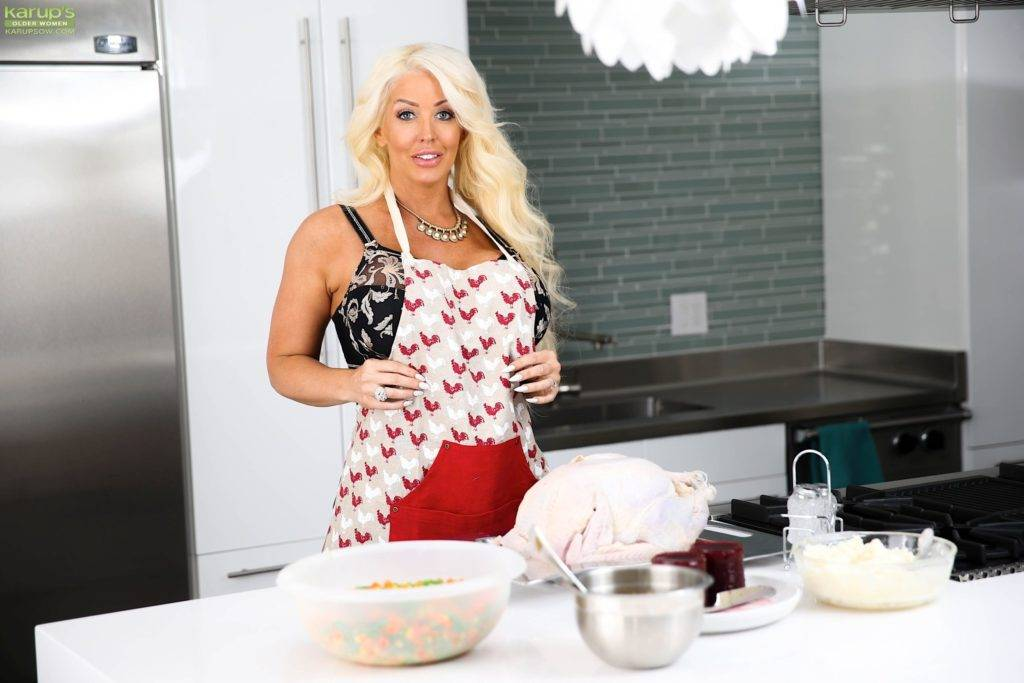 Busty Cougar Alura Jenson Gets Naked While Cooking The Turkey At Karupsow