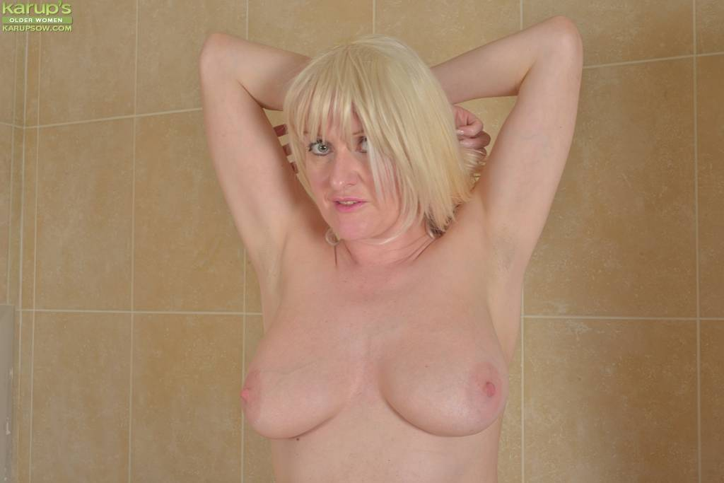 Busty Mature Babe Jade Wilson Naked In Black Stockings At Karupsow